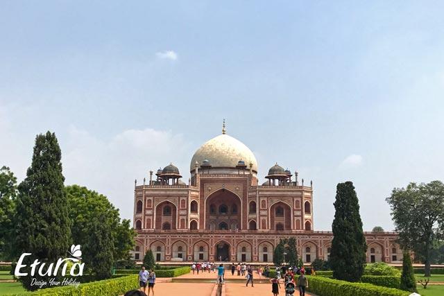 India Mormantul lui Humayun