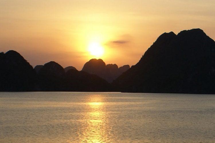 Banner De ce ne place noua Vietnam