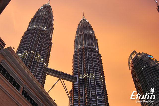 Turnurile Petronas Kuala Lumpur