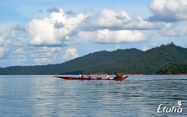 Plimbare cu barca Borneo