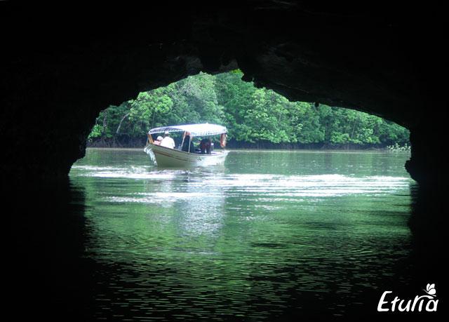 plimbare cu barca - croaziera Langkawi