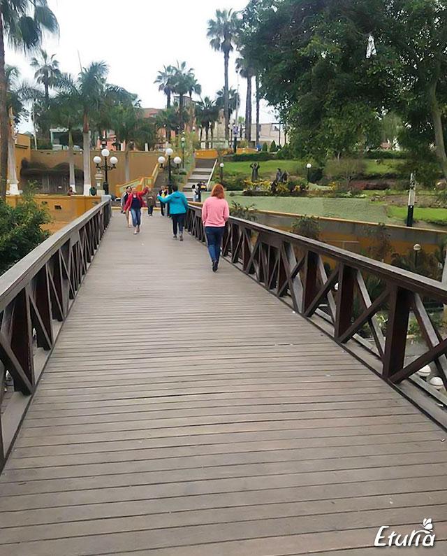 Pordul suspinelor Lima, Peru