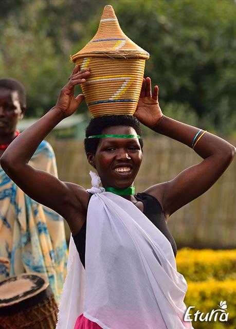 rwanda-woman