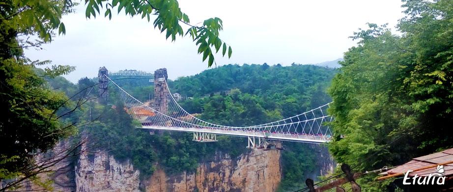 Podul de sticla din Zhangjiajie
