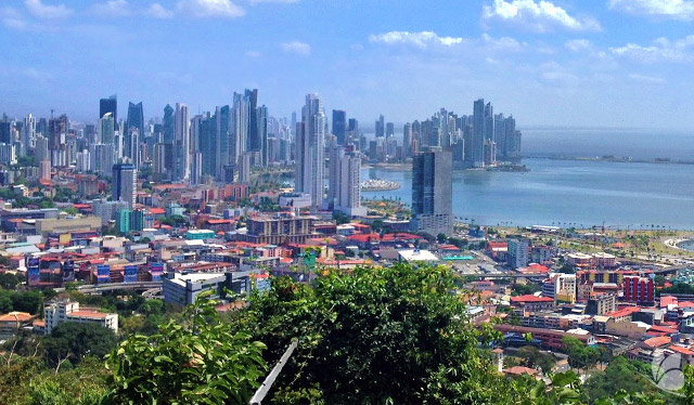 Vedere din Metropolitan Park asupra Panama City