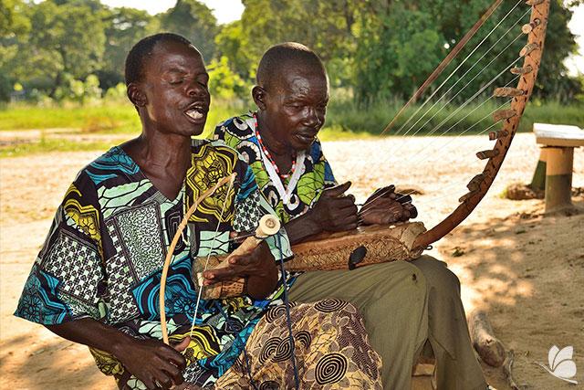 Localnici, Uganda